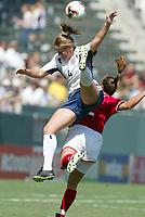 Fotball<br /> VM kvinner 2003<br /> Foto: Digitalsport<br /> Norway Only<br /> <br /> FOOTBALL - FEMALE WORLD CUP 2003 - 3RD PLACE - 031011 - USA v CANADA - CAT REDDICK (USA) / CHRISTINE LETHAM (CAN) - PHOTO ALAIN GADOFFRE