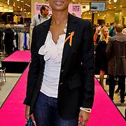 NLD/Amsterdam/20100314 -Modeshow Glamour Detox Your Wardrobe tbv Orange Babies, Sylvana Simons