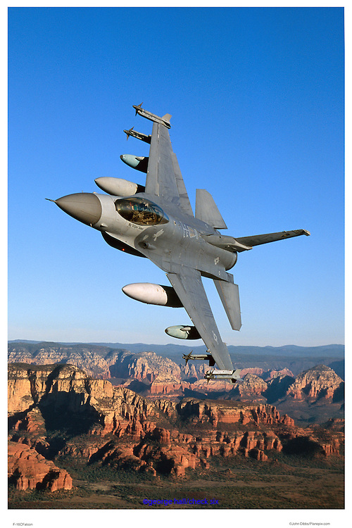 F-16C from Luke AFB banking