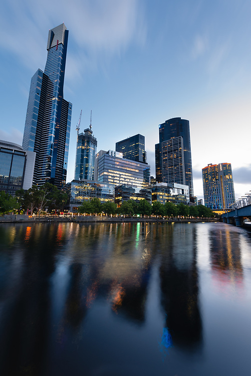 Sunset over Yarra river and Southbank, Melbourne