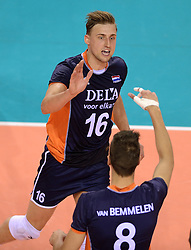 07-06-2014 NED: WLV Nederland - Portugal, Almere<br /> Een moeizame overwinning op Portugal levert Nederland twee punten op / Robin Overbeeke, Bas van Bemmelen