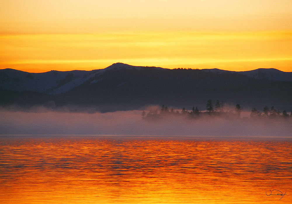 Lake Tahoe Scenic Misty Lakeshore Lake Tahoe
