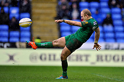 Shane Geraghty of London Irish puts boot to ball - Photo mandatory by-line: Patrick Khachfe/JMP - Mobile: 07966 386802 22/02/2015 - SPORT - RUGBY UNION - Reading - Madejski Stadium - London Irish v Leicester Tigers - Aviva Premiership