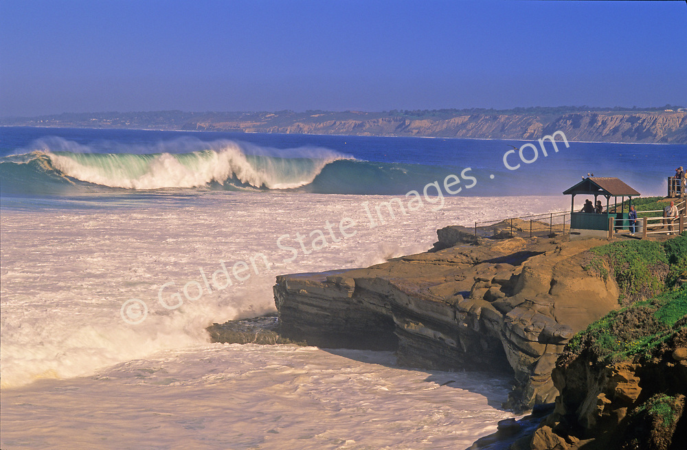 A spring storm brings big surf to Boomers Beach near La Jolla Cove, California. <br /> <br /> Waves are normally 2-4 feet, but can get as big as 10 to 14 feet when storms push through.