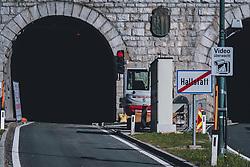 THEMENBILD - Baustelle bei der Tunnelausfahrt mit Ortschild während der Corona Pandemie, aufgenommen am 17. April 2019 in Hallstatt, Österreich // Construction site at the tunnel exit with town sign during the Corona Pandemic in Hallstatt, Austria on 2020/04/17. EXPA Pictures © 2020, PhotoCredit: EXPA/ JFK