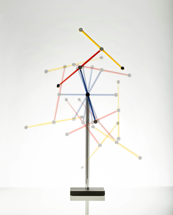 pendulum in movement demonstrating the chaos