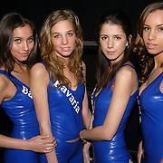 NLD/Rotterdam/20060418 - Persconferentie Rotterdam Racing 2006, F1 pitspoezen, modellen, latex, bavaria, bier