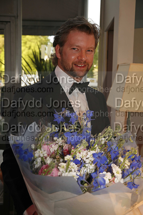 CHAIRMAN OF THE BALL: THE MARQUESS OF HAMILTON, The 28th Game Conservancy Trust Ball, In association with Barter Card. Battersea Park. 18 May 2006. ONE TIME USE ONLY - DO NOT ARCHIVE  © Copyright Photograph by Dafydd Jones 66 Stockwell Park Rd. London SW9 0DA Tel 020 7733 0108 www.dafjones.com
