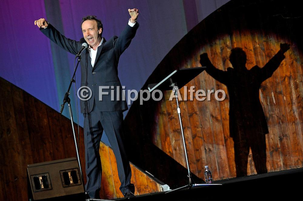 © Filippo Alfero<br /> Torino, 13/04/2011<br /> Roberto Benigni - TuttoDante - inaugurazione Biennale Democrazia 2011<br /> Nella foto: Roberto Benigni