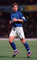 Nicky Southall (Gillingham). Watford v Gillingham, League Division 1, 17/10/2000. Credit Colorsport / Matthew Impey