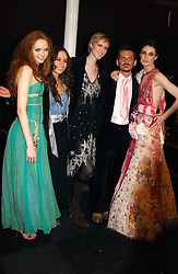 Left to right, LILY COLE, ELIZABETH JAGGER, JADE PARFITT, MATTHEW WILLIAMSON, ERIN O'CONNOR at the Moet & Chandon Fashion Tribute 2005 to Matthew Williamson, held at Old Billingsgate, City of London on 16th February 2005.<br /><br />NON EXCLUSIVE - WORLD RIGHTS