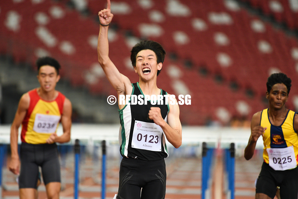 Matz Chan (#123) of RI came in first in the A Division Boys 110 metres hurdles event stopping the clock at 15.70s, while fellow teammate Jered Wong (#112) took silver with a time of 16.15s and Solaimuthu Dhanabalan (#225) of ACJC rounded off the podium coming in at 16.19s. (Photo 1 © Stefanus Ian/Red Sports)