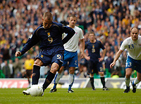 Photo: Jed Wee.<br />Scotland v Faroe Islands. European Championships 2008 Qualifying. 02/09/2006.<br /><br />Scotland's Kenny Miller scores from the penalty spot.