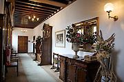 Front hallway, Pickwell Manor, Georgeham, North Devon, UK. CREDIT: Vanessa Berberian for The Wall Street Journal<br /> HOUSESHARE
