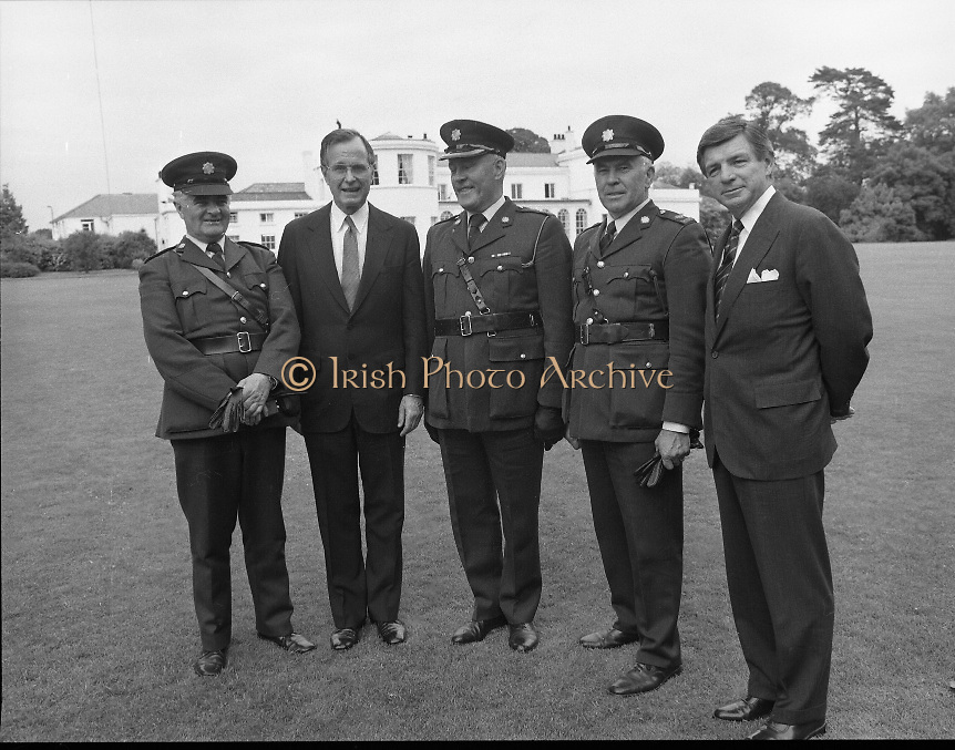 1983-07-05.5th July 1983.05-07-1983.07-05-83..Photographed at US Embassy Residence, Dublin..Second from left:..US Vice President George Bush.
