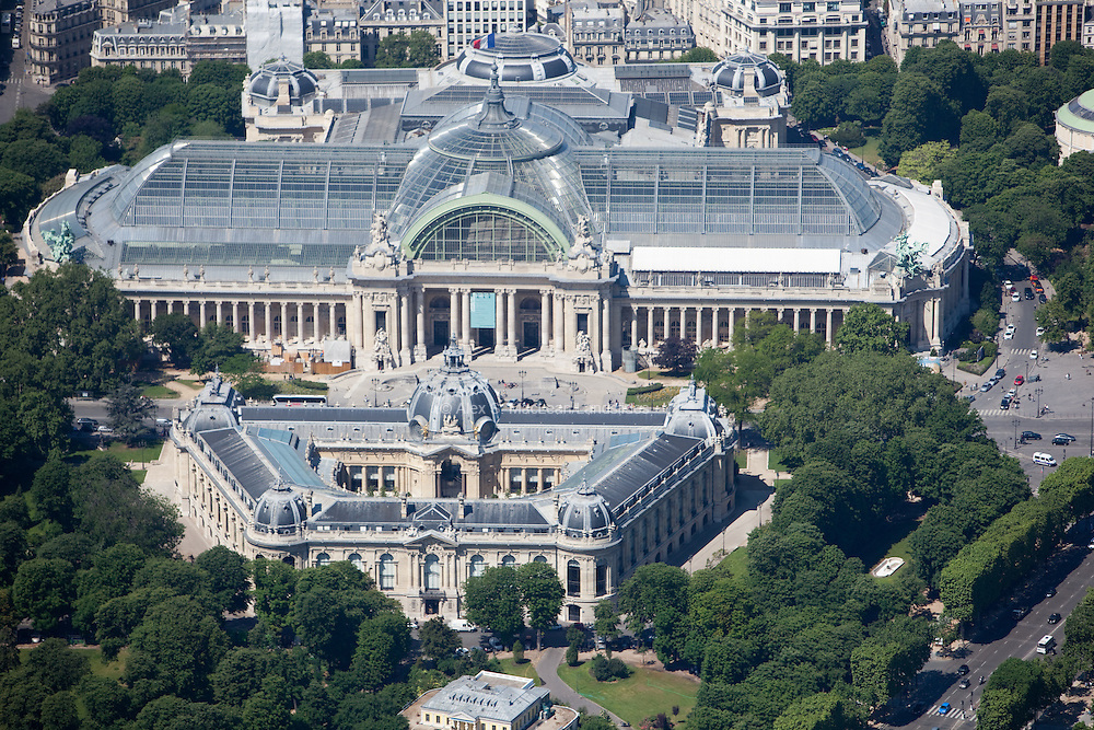 The Nef du Grand Palais and The Petit Palais; an art museum in the 8th arrondissement of Paris, France. It was built for the 1900 Exposition Universelle, it now houses the City of Paris Museum of Fine Arts.