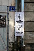 Kraków, 2020-11-19. Zamknięte w powodu z pandemii, restauracje, sklepy, opustoszałe ullice w turystycznej dzielnicy Krakowa. Ulica Józefa.