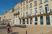 quai des chartrons cyclist bordeaux france