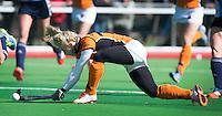 AMSTELVEEN - HOCKEY - Lisa Scheerlinck van OZ tijdens de hoofdklasse hockeywedstrijd tussen de vrouwen van Hurley en Oranje-Zwart.  COPYRIGHT KOEN SUYK