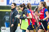 BILTHOVEN  - Hockey -  1e wedstrijd Play Offs dames. SCHC-Den Bosch (0-1).  coach Tina Bachmann (SCHC) en assistent-coach Maike Stockel (SCHC)   COPYRIGHT KOEN SUYK