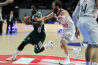 Real Madrid´s Sergio Rodriguez and Zalgiris Kaunas´s Will Cherry during 2014-15 Euroleague Basketball match between Real Madrid and Zalgiris Kaunas at Palacio de los Deportes stadium in Madrid, Spain. April 10, 2015. (ALTERPHOTOS/Luis Fernandez)