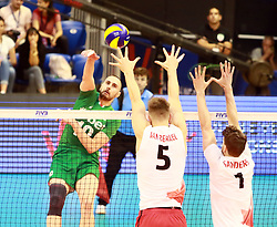June 16, 2018 - Varna, Bulgaria - from left Valentin BRATOEV (Bulgaria), Lucas Van BERKEL (Canada), Tyler SANDERS (Canada), .mens Volleyball Nations League,week 4, Bulgaria vs Canada, Palace of culture and sport, Varna/Bulgaria, June 16, 2018, the fourth of 5 weekends of the preliminary lap in the new established mens Volleyball Nationas League takes place in Varna/Bulgaria. (Credit Image: © Wolfgang Fehrmann via ZUMA Wire)