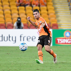 BRISBANE, AUSTRALIA - FEBRUARY 21: Cameron Crestani of the Roar passes the ball during the Asian Champions League Group Stage match between the Brisbane Roar and Muangthong United FC at Suncorp Stadium on February 21, 2017 in Brisbane, Australia. (Photo by Patrick Kearney/Brisbane Roar)