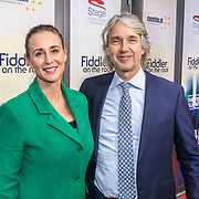 NLD/Amsterdam/20171105 - première Fiddler on the Roof, Addo Kuizinga en partner Saskia de Heister