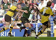 Reading, Berkshire, 29/09/02<br /> London Irish vs Wasps,<br /> Exiles Keiron Dawson, attacking down the wing, during the ZURICH PREMIERSHIP RUGBY match at the Madejski Stadium,  [Mandatory Credit: Peter Spurrier/Intersport Images],
