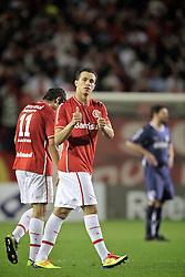 Leandro Damião comemora gol do Internacional, em partida válida pela final da Recopa Sulamericana 2011, no Estadio Beira Rio, em Porto Alegre. FOTO: Jefferson Bernardes/Preview.com