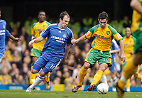 Photo: Leigh Quinnell.<br /> Chelsea v Norwich City. The FA Cup. 17/02/2007.<br /> Norwichs' Simon Lappin is watched by Chelseas Arjen Robben.