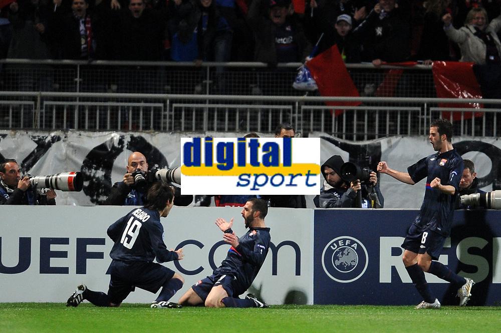 FOOTBALL - UEFA CHAMPIONS LEAGUE 2009/2010 - 1/4 FINAL - 1ST LEG - OLYMPIQUE LYONNAIS v GIRONDINS DE BORDEAUX - 30/03/2010 - PHOTO FRANCK FAUGERE / DPPI - GOAL LISANDRO