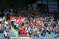 Fotball. Tippeligaen. 31.07.2011<br /> Viking FK v Fredrikstad.<br /> Viking Stadion, Stavanger.<br /> Foto. Simon Rogers, Digital Sport.<br /> <br /> Viking. <br /> Fredrikstad.<br /> <br /> Viking og Fredrikstad fans  stor i sammen på tribune i Stavanger.