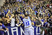 Tony Easley, Commando Ultra' Dinamo<br /> Banco di Sardegna Dinamo Sassari - Montepaschi Siena<br /> Legabasket Serie A Beko 2012-2013<br /> Sassari, 14/01/2013<br /> Foto L.Canu / Ciamillo-Castoria