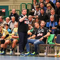 Rhein-Neckars Nikolaj Bredahl Jacobsen (Trainer) gibt Anweisungen im Spiel der Handballliga, Bergischer HC - Rhein-Neckar Loewen.<br /> <br /> Foto © PIX-Sportfotos *** Foto ist honorarpflichtig! *** Auf Anfrage in hoeherer Qualitaet/Aufloesung. Belegexemplar erbeten. Veroeffentlichung ausschliesslich fuer journalistisch-publizistische Zwecke. For editorial use only.