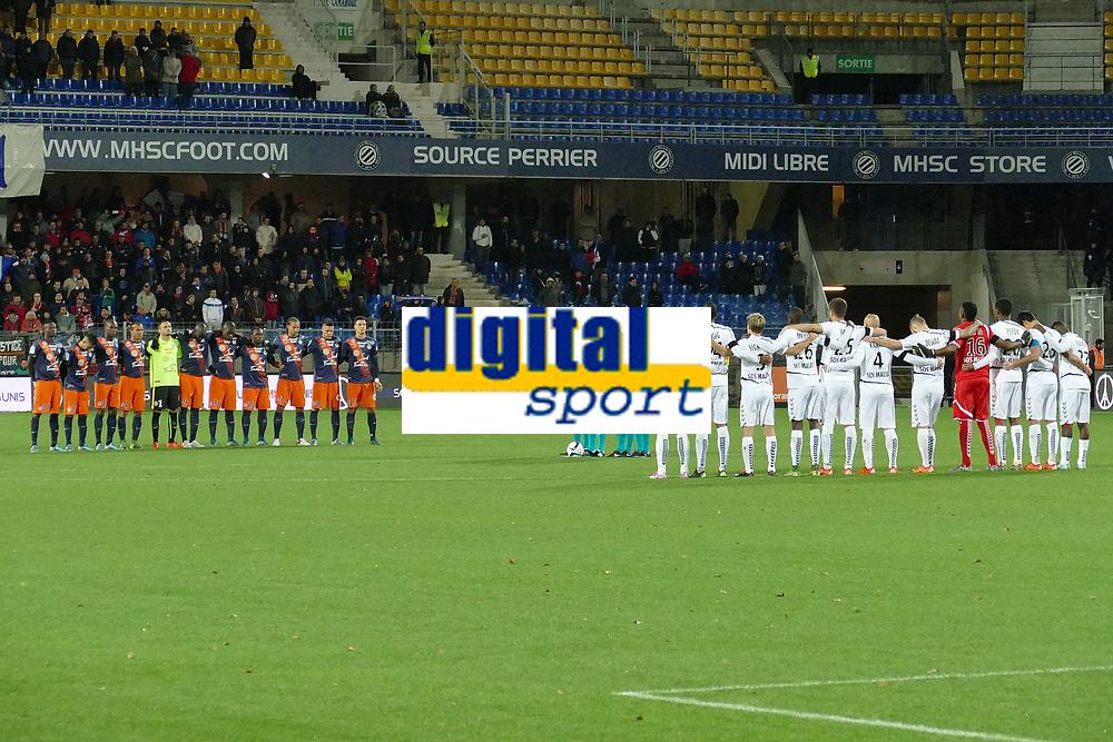 minute de silence observe par les 2 equipe