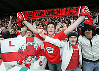 Photo: Rich Eaton.<br /> <br /> Oxford United v Leyton Orient. Coca Cola League 2. 06/05/2006.<br /> <br /> Leyton Orient fans celebrate their promotion