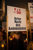 DEU, Deutschland, Germany, Erfurt, 04.12.2014:<br /> Demonstration vor dem Landtag gegen die Bildung einer Rot-Rot-Grünen Regierung mit Bodo Ramelow (Die Linke) als Ministerpräsident. Plakat Keine Macht den Kommunisten.