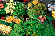 THAILAND, NORTH, GOLDEN TRIANGLE Chiang Mai, busy Warrot market, location for exotic produce and fruit