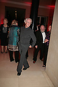 Peter and Renate Nahum and Graham Ovenden, Millais exhibition opening and Dinner. Tate Gallery. 24 September 2007. -DO NOT ARCHIVE-© Copyright Photograph by Dafydd Jones. 248 Clapham Rd. London SW9 0PZ. Tel 0207 820 0771. www.dafjones.com.