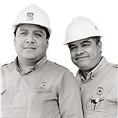 trabajadores de plantas