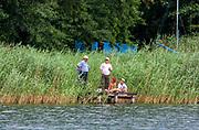 Jezioro NIegocin - wędkarze na pomoście.