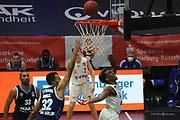 Basketball: Deutschland, 1. Bundesliga, Hamburg Towers -  Alba Berlin, Hamburg, 23.03.2021<br /> Johannes THiemann (Alba, l.) - TJ Shorts (Towers)<br /> © Torsten Helmke