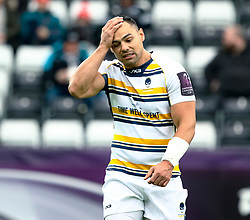 Ben Te'o of Worcester Warriors during the pre match warm up<br /> <br /> Photographer Simon King/Replay Images<br /> <br /> European Rugby Challenge Cup Round 5 - Ospreys v Worcester Warriors - Saturday 12th January 2019 - Liberty Stadium - Swansea<br /> <br /> World Copyright © Replay Images . All rights reserved. info@replayimages.co.uk - http://replayimages.co.uk