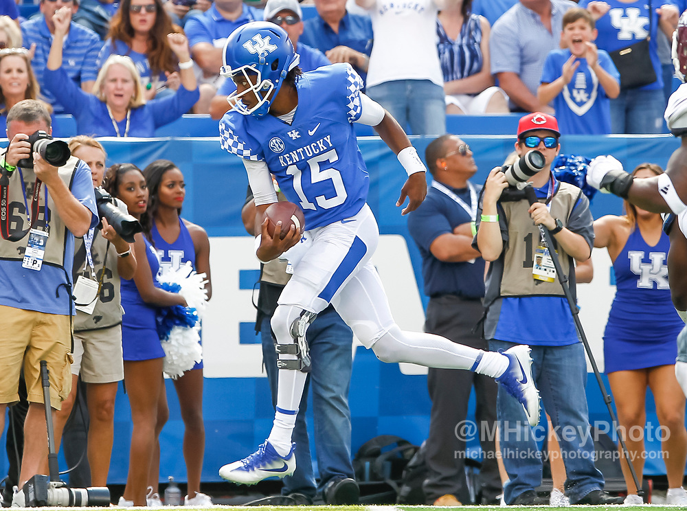 LEXINGTON, KY - SEPTEMBER 09: Stephen Johnson #15 of the Kentucky Wildcats runs the ball for a touchdown against Eastern Kentucky Colonels at Kroger Field on September 9, 2017 in Lexington, Kentucky. (Photo by Michael Hickey/Getty Images) *** Local Caption *** Stephen Johnson;
