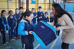 Entrega de uniformes na Escola Municipal de Ensino Fundamental Vera Cruz, em Gravataí. Foto: Marcos Nagelstein/ Agência Preview