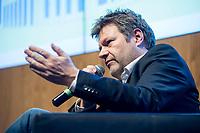 12 DEC 2018, BERLIN/GERMANY:<br /> Robert Habeck, Bundesvorsitzenden von Buendnis 90/Die Gruenen, Mittwochsgesellschaft des Handels, Microsoft Atrium<br /> IMAGE: 20181212-03-118