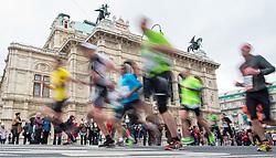 10.04.2016, Wien, AUT, Vienna City Marathon 2016, im Bild Feature Läufer vor der Staatsoper // f.l.t.r. Feature in front of the state opera during Vienna City Marathon 2016, Vienna, Austria on 2016/04/10. EXPA Pictures © 2016, PhotoCredit: EXPA/ Michael Gruber