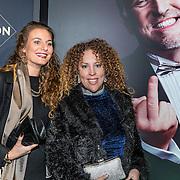 NLD/Amsterdam/20161213 - Inloop gasten The Roast of Gordon, nichtje Deborah Cuevas Ulloa Pennings