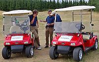 EEMNES 22-07-2010 Overleg tussen referees met buggies Golfclub de Goyer. COPYRIGHT KOEN SUYK